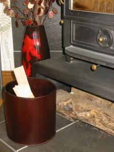 Leather kindling basket